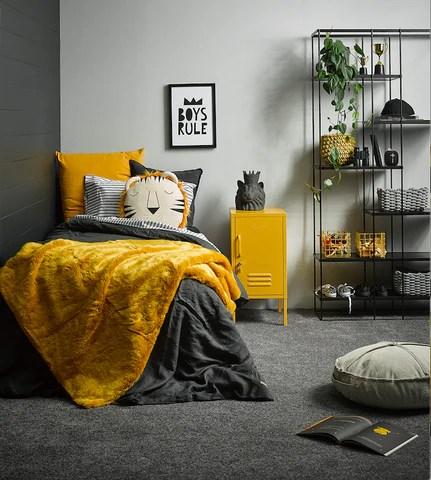 Ultimate Gray + Illuminating para el dormitorio juvenil