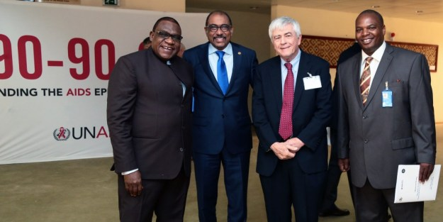 (l to r) Iyorlumun Uhaa, UNICEF Representative to the African Union; Max Essex, Harvard AIDS Initiative; Michel Sidibé, UNAIDS Executive Director; and Pride Chigwedere at a meeting for African Leaders in Addis Ababa, Februrary 2106. Photo by Aida Muluneh for UNAIDS.