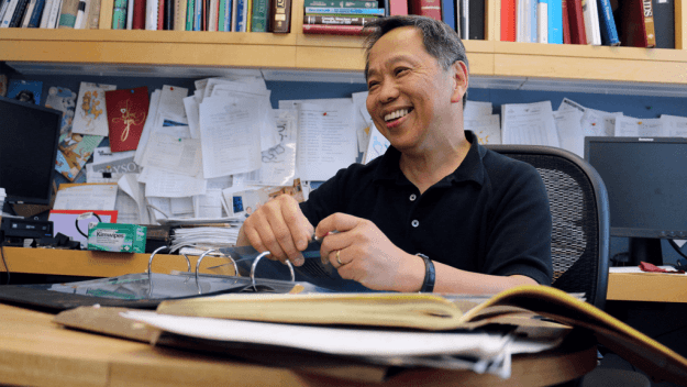 Dr. Tun-Hou Lee discovered gp120, the glycoprotein used in HIV/AIDS tests. His lab notebook helped lawyers defend the gp120 patent.
