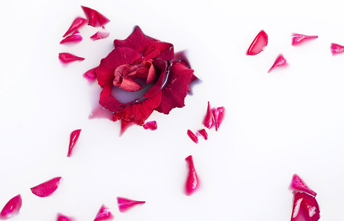 Crushed Rose Petals Lip Mask To Get Soft Pink Lips