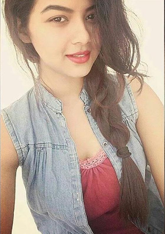 Hot mumbai call girl shared by 2 guys