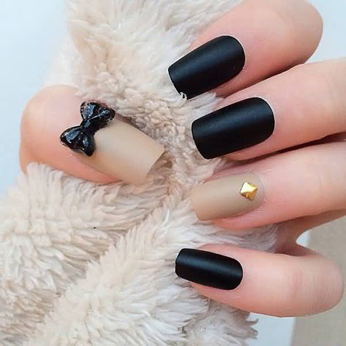 Black And Beige Bow 3d Nail Art