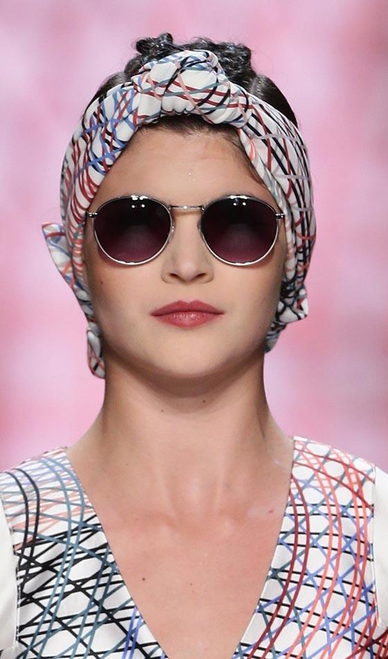 30 Vintage Hairstyles Bun Bandanna Hairstyles Ideas Walk The Falls