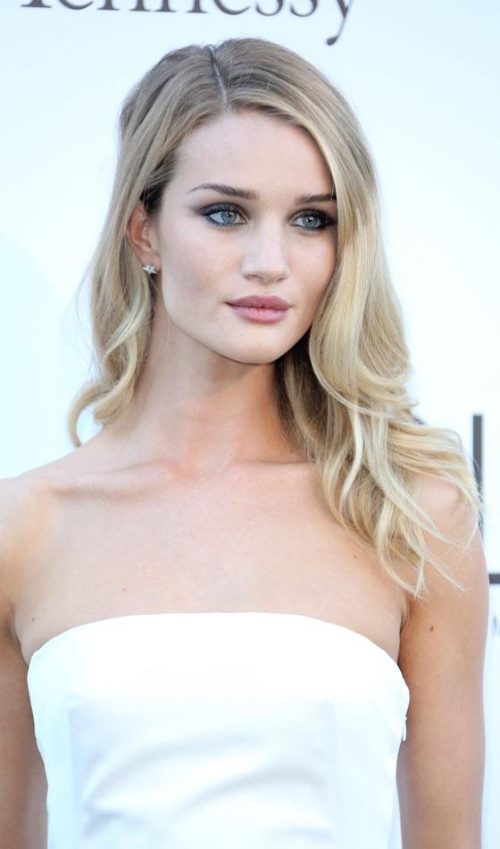 25 Makkelijke dagelijkse haarstijlen voor haar van gemiddelde lengte | snel klaar kapsels voor vrouwen