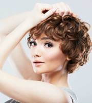 chic curly bob hairstyles