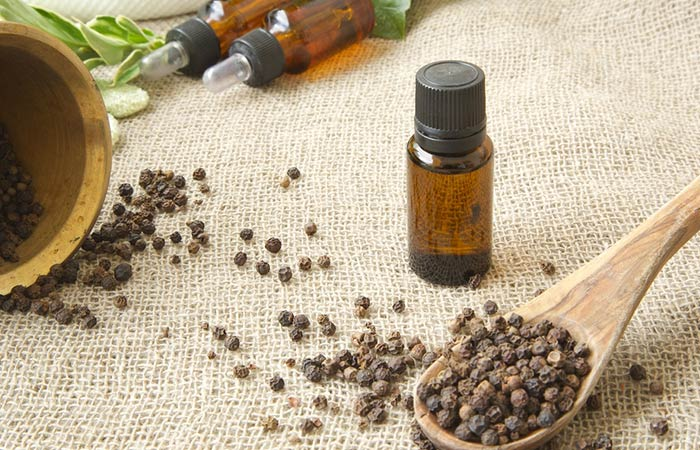 (b)-Black-Pepper-Essential-Oil-For-Vitiligo