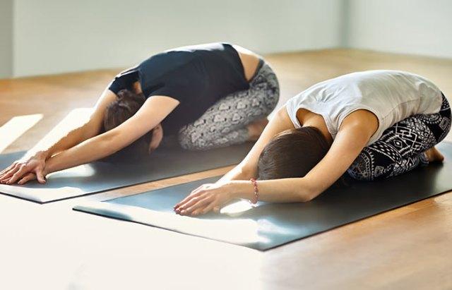 Basic-Yoga-Asanas-That-Will-Relieve-Fibromyalgia2