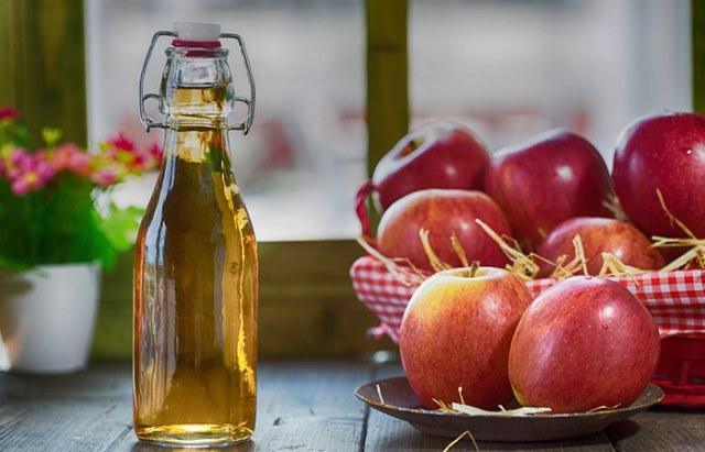 Home Remedies For PCOS - Apple Cider Vinegar