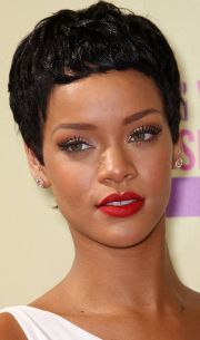 trendy rihanna's short hairstyles