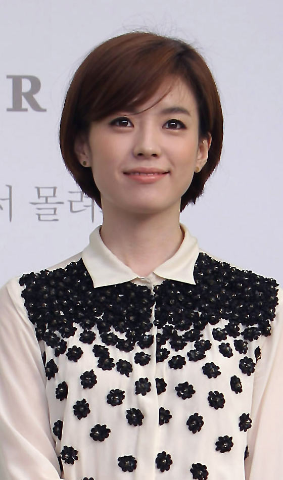 10 Stunning Korean Short Hairstyles You Can Try