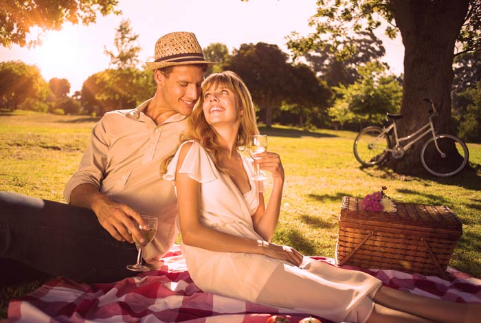 A Picnic  12 Cute Things To Do With Your Date A Picnic