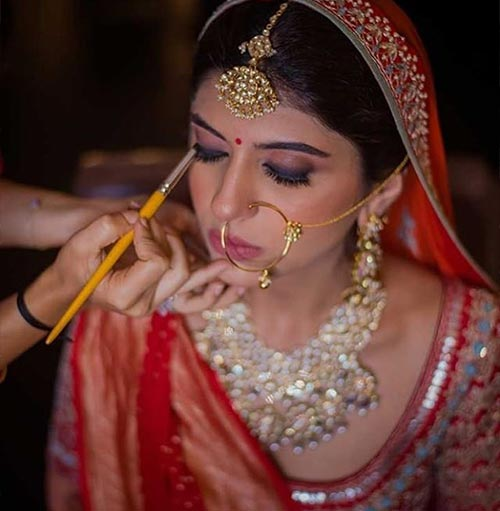 The 'Bride Getting Decked Up' Picture