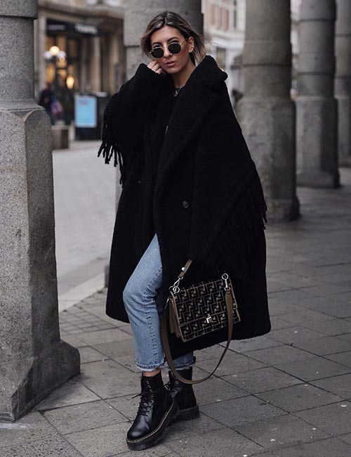 2.Oversized-Coat-And-Combat-Boots-For-Winter