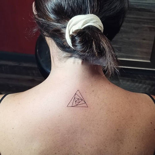 41 Triangle Tattoos For Women That Are Super Inspiring