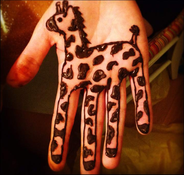 Mehndi Designs For Kids Hand