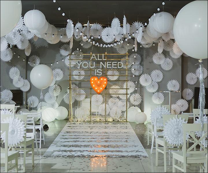 11 Astonishing Indoor Wedding Decoration Ideas For This ...