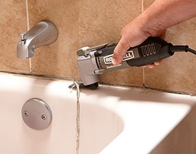 How to Caulk a Shower or Bathtub