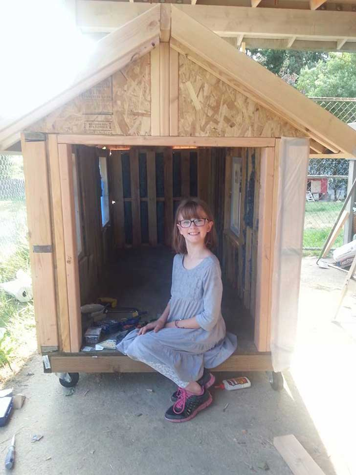 11235337 745776852188068 8782143215931953573 n - Hailey Ford: La niña que construye refugios y cultiva alimentos para gente sin hogar desde los 6 años