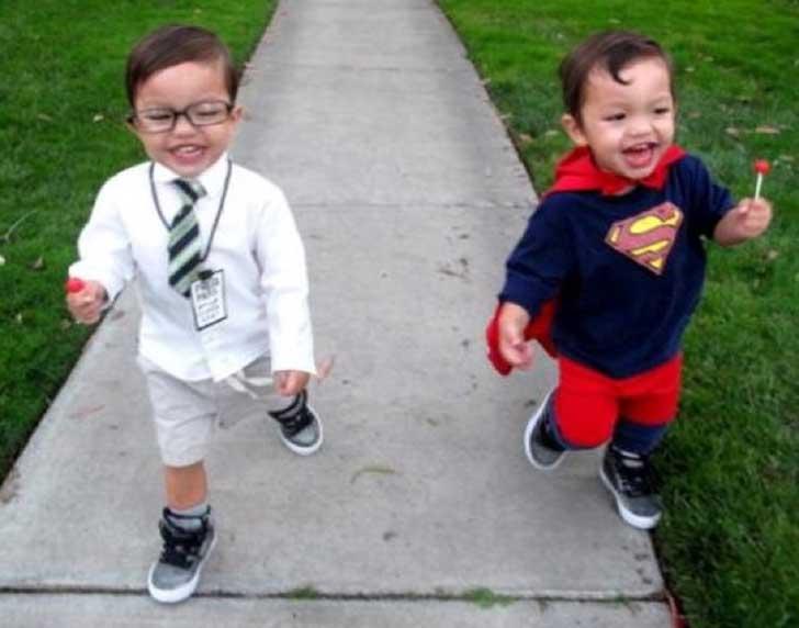 halloween-twins-costumes-4
