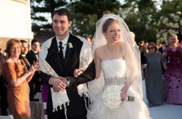 4 82 - 10 celebs que improvisaron su boda en Las Vegas y 10 que la planearon perfecta. Una se casó en jeans