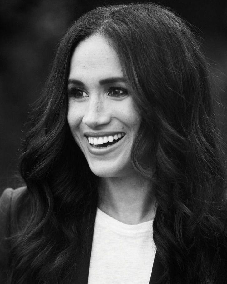 meghan markle duquesa reino lujos0003 - Así lució Meghan Markle tras salir de la Familia Real. Parece simple, costó casi 400 mil dólares
