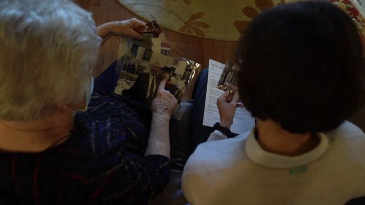 Captura de Pantalla 2020 12 31 a las 10.56.08 - Abogada latina se junta con maestra de primaria luego de 40 años para agradecerle. Le enseñó inglés