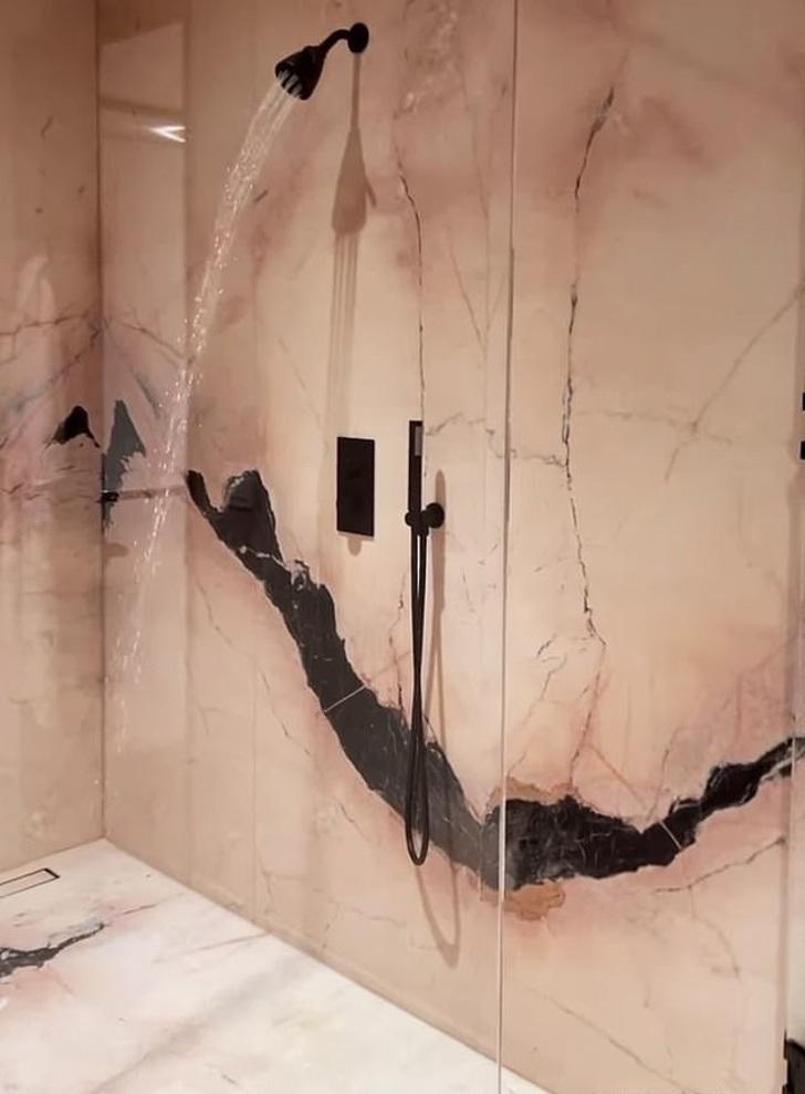 2 69 - Kylie compartió un video de su ducha y sus fans se burlaron de ella. El agua casi no tenía presión