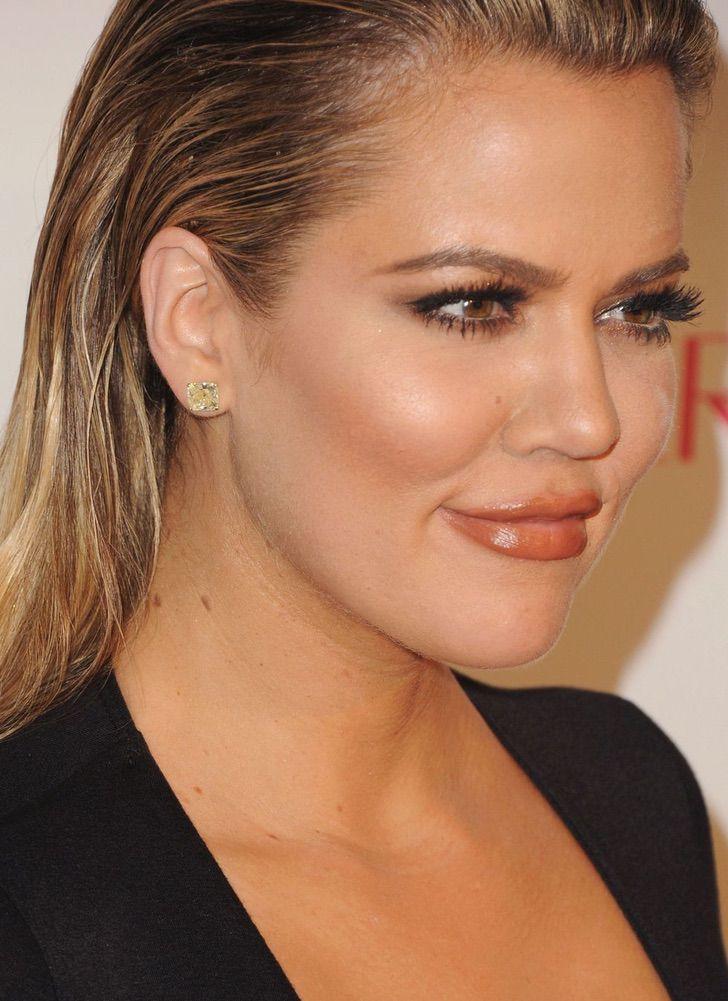9 49 - 10 celebridades que lucen orgullosas sus lunares. Jennifer Lawrence tiene hasta en el pecho