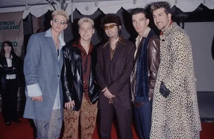 """23 5 - 25 terribles looks que los famosos presumían como """"estilosos"""". Christina Aguilera mostraba su tanga"""