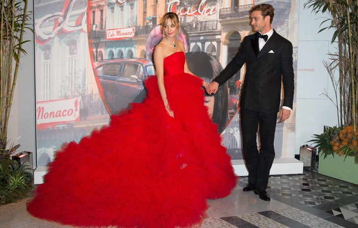 """4 79 - Meghan y Kate ya no son las royals más """"elegantes"""": una modelo italiana les arrebató el título"""