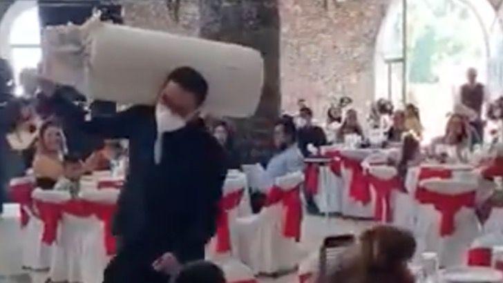 gas boda video medium - Padrino de boda llega cargando un tanque de gas para obsequiarlo a los recién casados. Lo envolvió