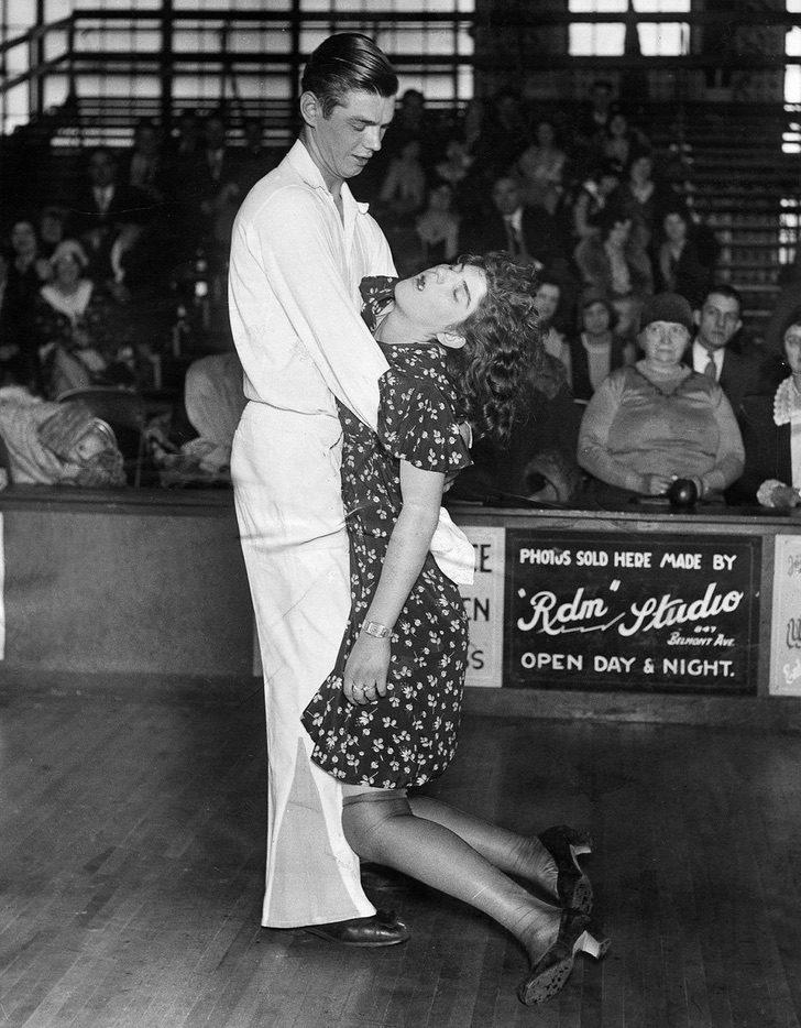 uploads2F20162F62F62Fdancemarathons 7 - Bailaban hasta caer desmayados: Las extrañas maratones de bailes de 1930 que se hacían en EE.UU.