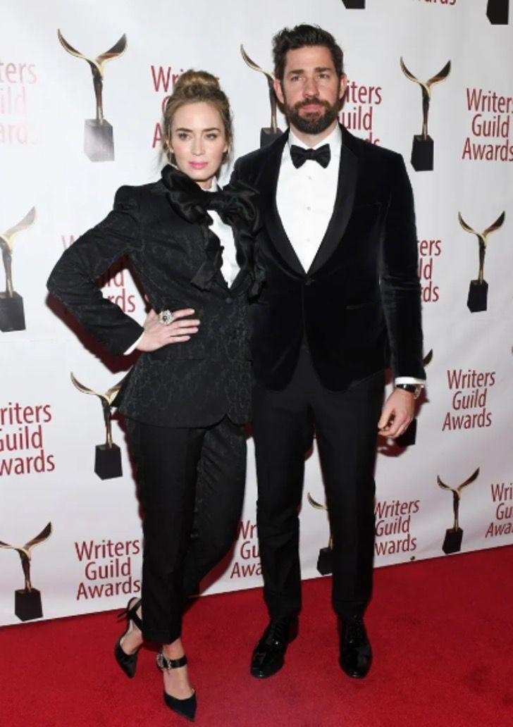 parejas famosos visten igual13 - 18 parejas de famosos que les encanta vestirse igual. Katie Holmes y su novio parecen gemelos