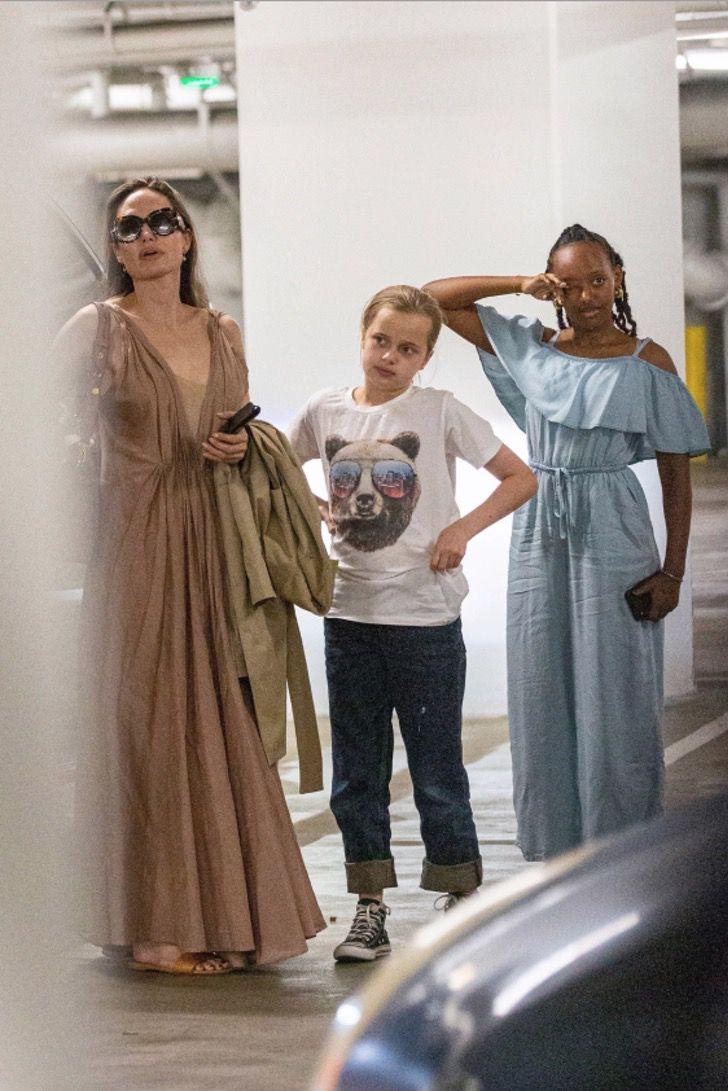 diferencias angelina brad6 - 16 fotos de la diferencia entre cómo se lleva Angelina Jolie con sus hijos y cómo lo hace Brad Pitt