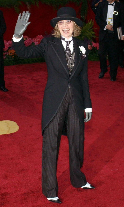 famosos atuendos revuelo2 - 10 famosos que causaron revuelo con sus looks de alfombra roja. El de Kim provocó burlas