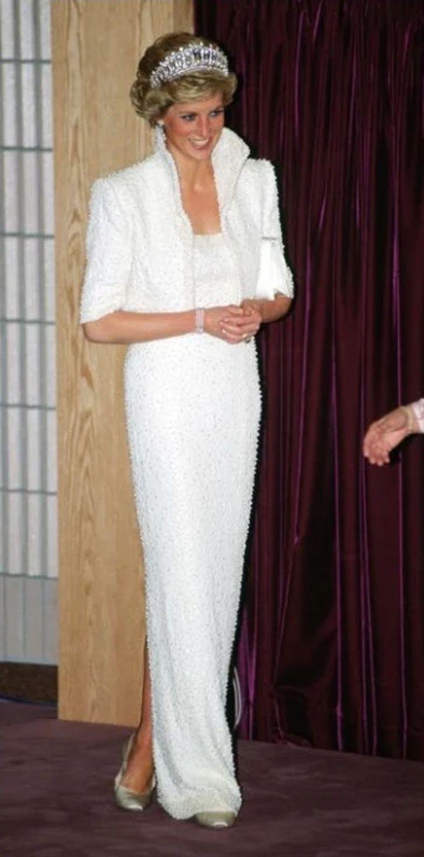 lady di princesa 7 - 20 elegantes atuendos con los que la princesa Diana se vio como una auténtica princesa