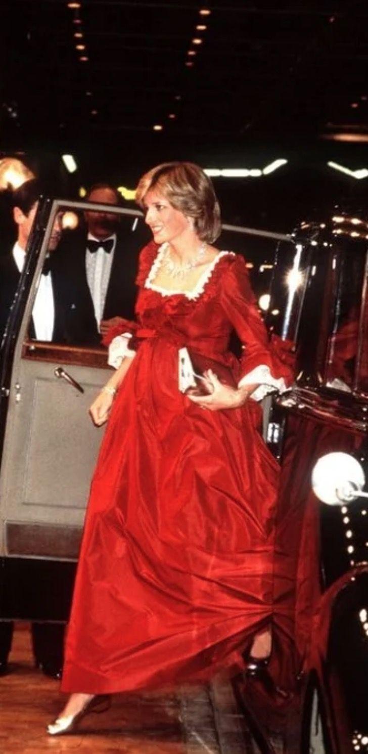 lady di princesa 8 - 20 elegantes atuendos con los que la princesa Diana se vio como una auténtica princesa