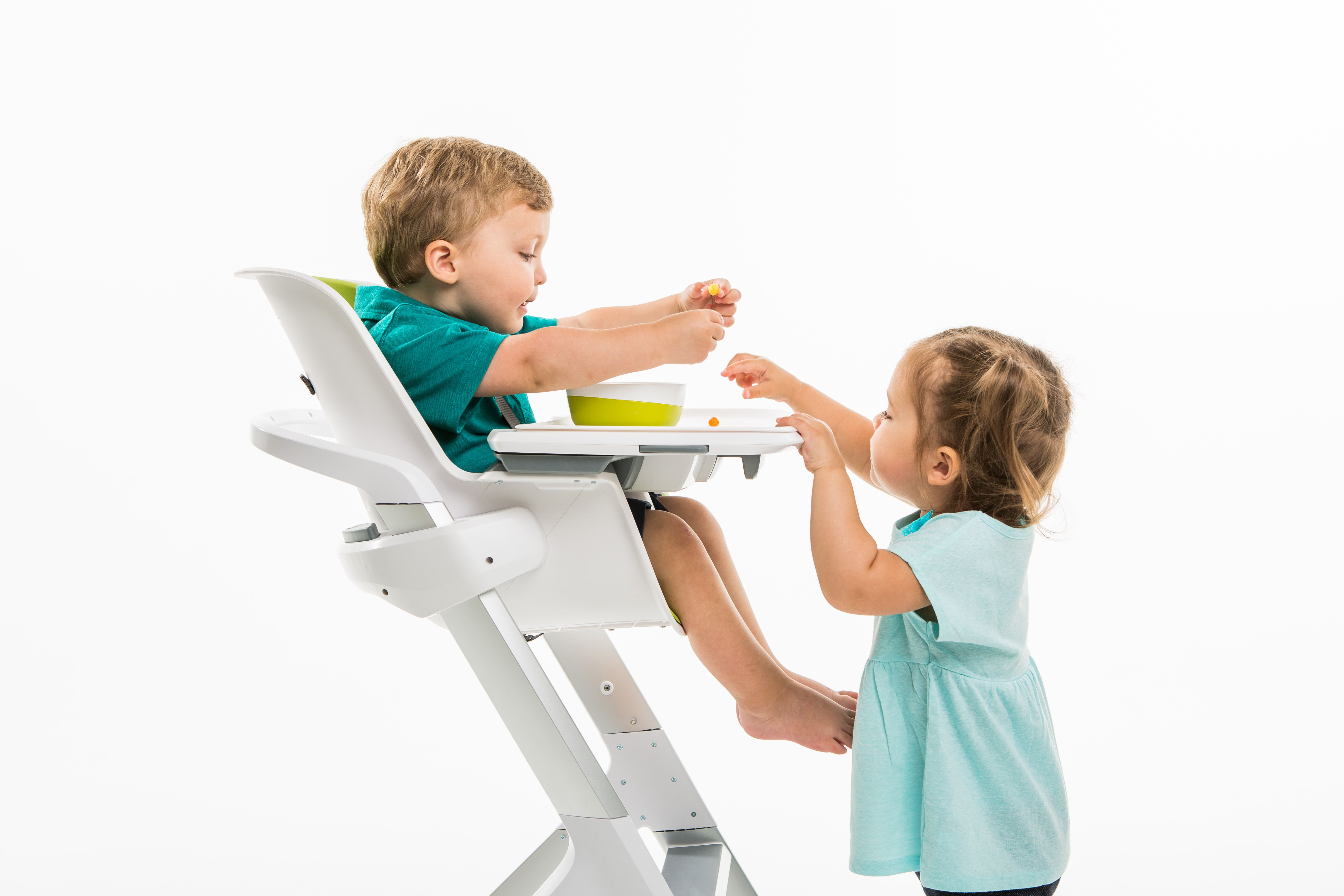 4 Moms High Chair This Magnetic High Chair Has Some Clever Features But It