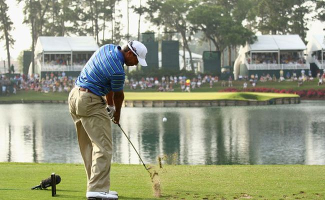 Tpc Sawgrass No 17 Phil Mickelson Leads Tiger Woods In