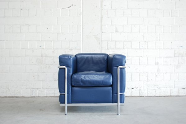 le corbusier chair counter height office chairs vintage blue model lc2 leather by for cassina 1