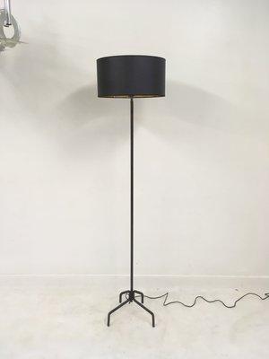 lampadaire en fer forge france 1950s