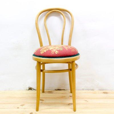 Bellissime sedie anni '60 in noce massello con imbottitura, tappezzeria in similpelle goffrata colore avorio; Sedia Vintage In Legno Curvato Anni 60 In Vendita Su Pamono