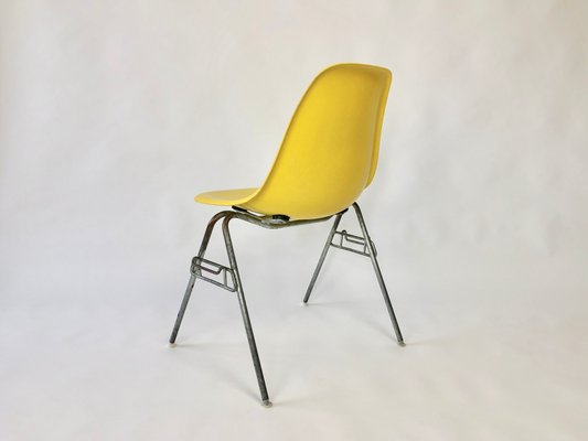 fiberglass shell chair minnie mouse recliner vintage dss by charles ray eames for herman miller 3