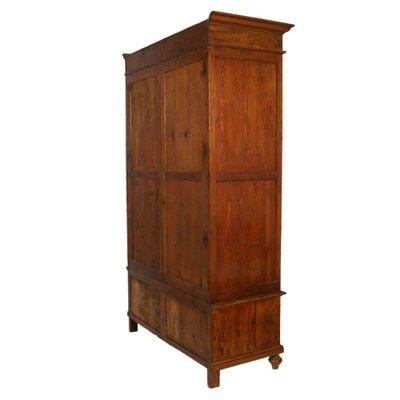 armoire antique en sapin massif avec tiroir