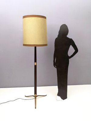 lampadaire mid century en bois laiton et metal verni italie 1950s
