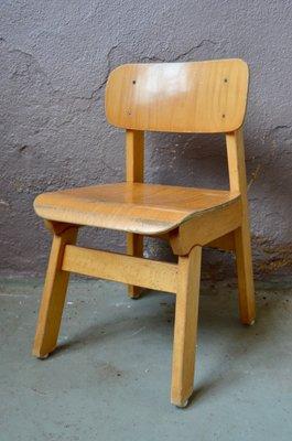 chaise pour enfant en bois 1960s