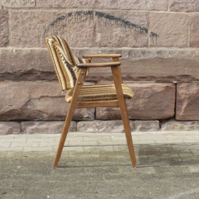 fauteuil vintage scandinave avec tissu d ameublement raye