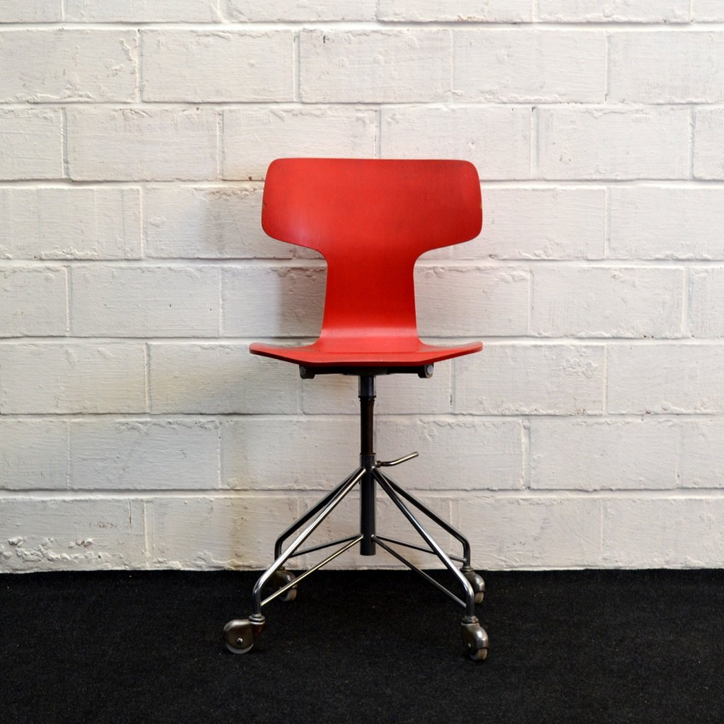 Red Desk Chair Mid Century 3103 Red Desk Chair By Arne Jacobsen For Fritz Hansen