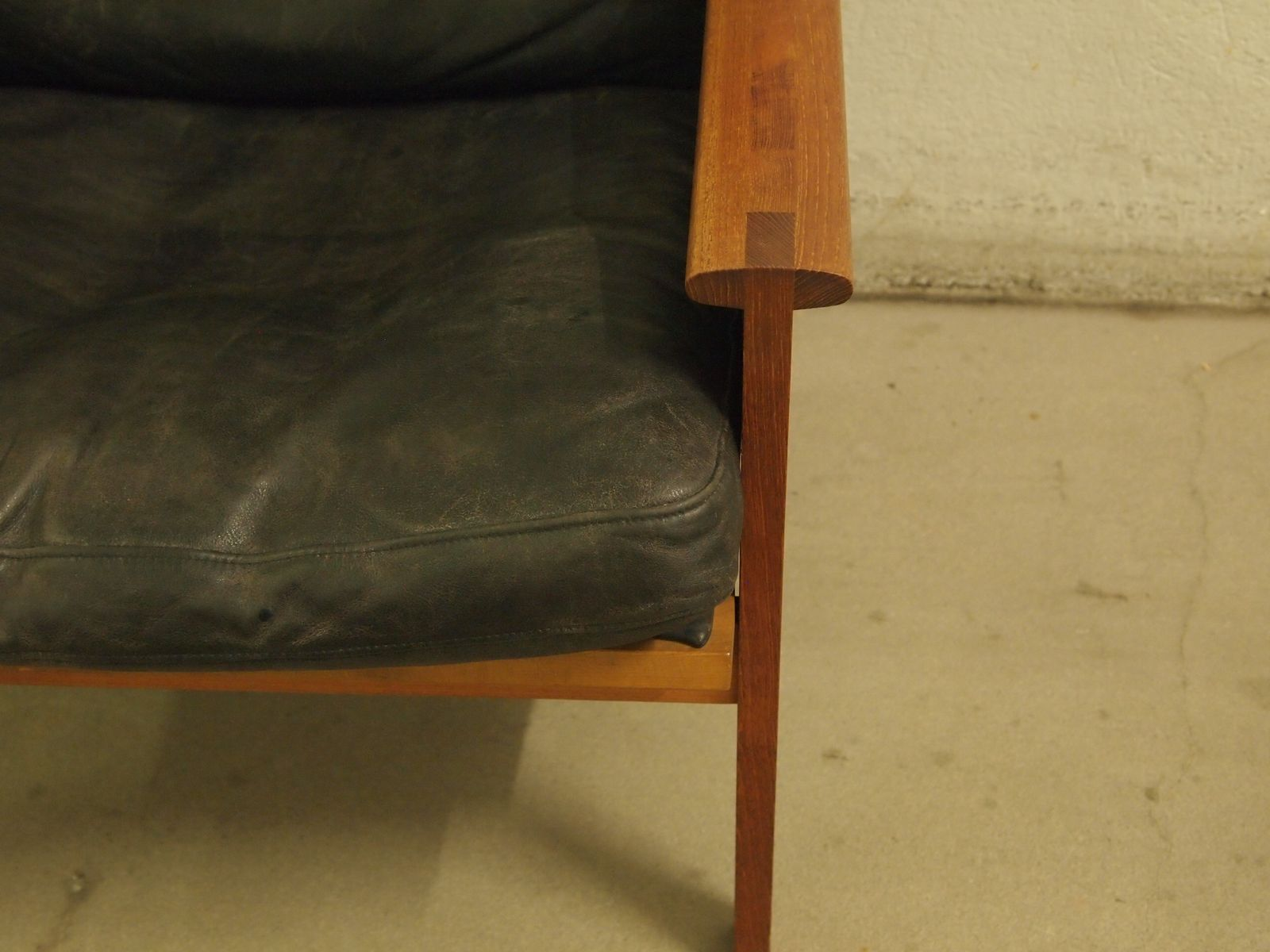 leather sofa manufacturers italy lazy boy sleeper danish highback teak and armchair by illum ...