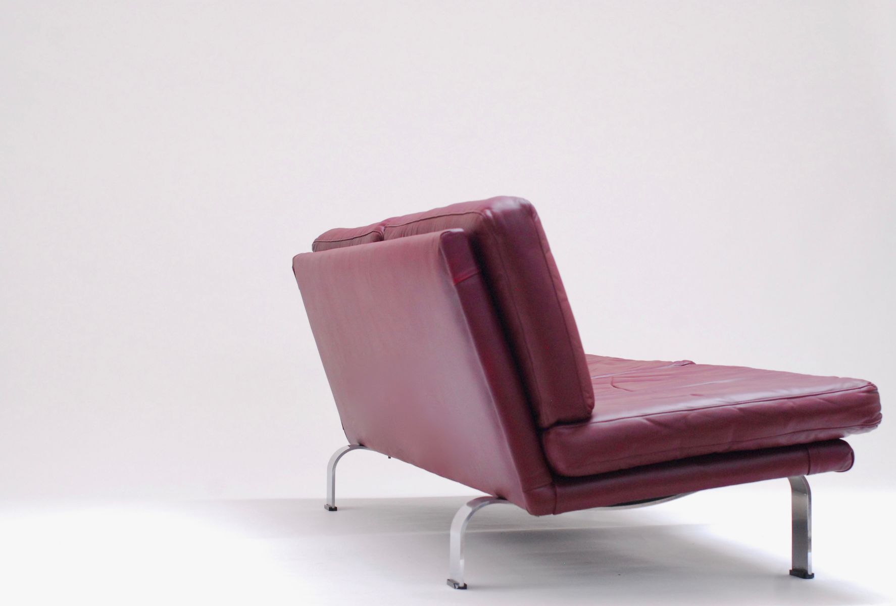 plum leather sofa how to dispose old italian 1960s for sale at pamono